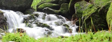 Pod-vodopádem